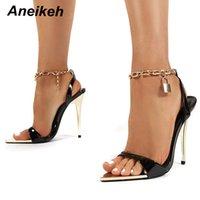 Aneikeh 2021 Été mince talons hauts Chaussures pour femmes Mode Sexy Metal Decoratio Cross-attachée Retro Patchwork Head Beee Peep Toe Sandales