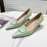 المرأة الفاخرة غرامة كعب الأحذية الرسمية مصمم الأزياء أشار تو الأسود والأبيض الأخضر المهنية الذهب الوردي الزخرفية طوق المطاط الوحيد 35-40