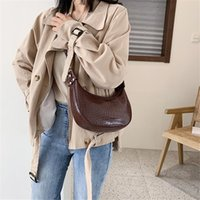 2020 Fashion Crocodile Pattern Messenger Half Moon Shoulder Bags For Women New Designer Luxury Handbag Female Travel Tote X7KU
