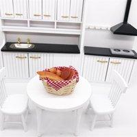6 teile / satz Küchenspielzeug Streifen Brot mit Korb Miniaturmodelle für Puppenhaus 1/12 Simulation von Brot Vorarbeiten Spielzeug 1325 y2