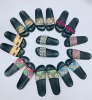2021 Designer Hommes Femmes Sandales avec boîte de fleurs correcte Boîte à poussière Chaussures Snake Imprimer Diapositive Été Établissement Plat Sandal Fashion Dames Flip Flip Mocassins Slipper