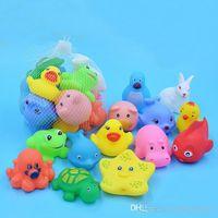 مختلط الحيوانات ألعاب السباحة المياه الملونة الناعمة العائمة البط البطة ضغط الصوت squeaky لعبة الاستحمام للأطفال حمام اللعب