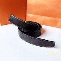 Cintura Designer 37mm Reversibile Lussurys Cinture moda Casual in vera pelle di alta qualità 3 tipi di fibbie liscia classiche Unisex Trendy delicato per le donne e gli uomini