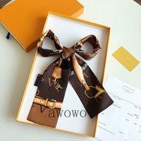 Diseño exquisito Carta clásica del 100% Bufanda de seda para las mujeres Lady Chic Unique Niza Calidad suave Diadema suave Bufandas Sin caja