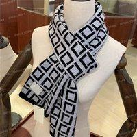 クラスのメンズデザイナーカシミヤスカーフレターFファッションウール編み物スカーフ男性レディースパシュミーナ高級デザイナースカーフショールラップ
