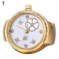 Ny ankomst Lady Girl Golden Tone Round Elastic Alloy Quartz Klockor Kreativ Finger Ring Watch Wholesale W01