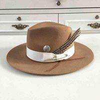 Berets 2021 Chegada Chapéu de lã Khaki para mulheres e homens com pin penas fedoras hcrafted chapéus por hukaili 9vrn