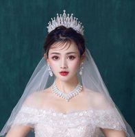 High-end Bridal Wedding Hewpieces Corona collana orecchini a tre pezzi set barocco foglia di design bianco cristallo intarsiato strass partito gioielli da festa regalo di compleanno femminile