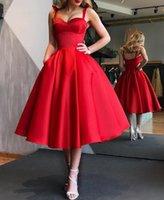 Eleganckie Czerwone Krótkie Suknie Koktajl Kobiety Satin Party Dress Długość Kolana Linia Robe De Cocktail 2021 Prom Suknia