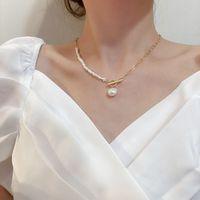 Koreaner Vintage natürliche Süßwasserperlen-Halsketten für Frauen Gold-Farb-Link-Kette asymmetrischer Kippverschluss-Verschlusskreis-Choker-Halskette