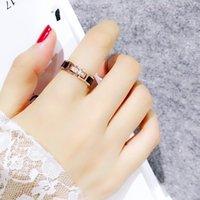 حلقات الزفاف الكورية الأزياء تنوعي الماس الأسود الوجه الدائري أنثى التيتانيوم الصلب مطلي ارتفع الذهب فهرس المشترك