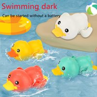 Children's bath toy playing duck clockwork little yellow ducks baby baths bathing and swimming toys