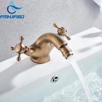 Torneiras de pia do banheiro FMHJFISD Torneira de bidê antiga Dois giros de cerâmica lida com água de bronze de água Único furos montados Mixer Torneira