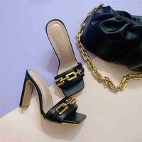 Летние элегантные женские тапочки мода новая металлическая цепь украшения высокие каблуки мулы слайды насосы квадратные пальцы женские туфли 210325