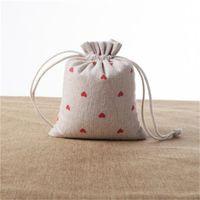أحمر القلب الكتان الهدايا أكياس 9x12 سنتيمتر 10x15 سنتيمتر 13x17 سنتيمتر حزمة من 50 الحلوى صالح كيس ماكياج مجوهرات الحقيبة 585 T2