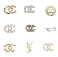 Femmes de luxe femmes marqueuses marqueuses marquées broches 18 carats en plaqué or cristal cristal strass bijoux broche charm girl perle pin bleus épouse mariage mariage cadeau accessoire