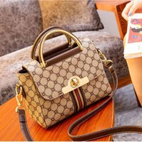 Genuine Leather Women Buckets 2021 New Fashion Larger Capacity Retro Plaid One Shoulder Bags Ladies Famous Purse and Handbags Cc