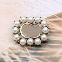Frauen Vintage Designer Marke Doppel G Briefbrosche Pearl Strass Kristall Metall Broschen Anzug Laple Pin Modeschmuck Zubehör Geschenke