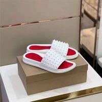 Фирменные резиновые заклепки тапочки красные дна мужчины женщин сандалии рентабельные флип флопы Сменные потерпы высочайшего качества летняя мода усеянные полосатые слайды с коробкой