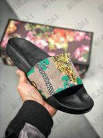Мужчины дизайнерские пляжные тапочки женские роскоши дизайнеры сандалии Италия на полоску пчелы тигр цветок холст кожа от сетки повседневная тапочка Ace Flip Plops