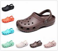 Yaz Sandal Serin Tasarımcılar Terlik Kadın Erkek Havuz Sandalet Açık Cholas Plaj Ayakkabı Bahçede Kayma Casual Su Duş Cock Kum B7zd #