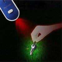 Dekorative Objekte Figuren LED Light Torch Remote Sound Control Lost Key Finder Locator Keychain-Pieptöne und Blitze, um Schlüsselpfeife zu finden