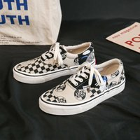 Women Canvas Shoes Men Casual Couple Checkered Shoes Slip-on Tennis Trainers Student Skateboard Female Male Flat Vulcanize Shoes Y0907