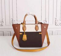 고품질 여자 가방 패션 트렌드 Luxurys 디자이너 S 새로운 어깨 그물 캐주얼 휴대용 가죽 S 평방 슬링 LM22