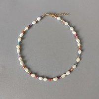 Collier de perles d'eau douce naturelle baroque pour femmes Bohemian Charm Accessoires Perles de cristal colorés Mélangez et allumez 2021 Culkers