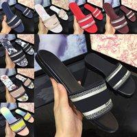 2021 جودة عالية النساء الصنادل النعال الصيف شاطئ داخلي أحذية مسطحة مصمم الكلاسيكية امرأة صندل حذاء مع مربع حجم 35-41