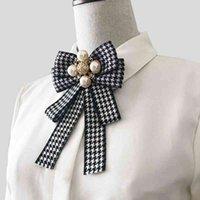Kadın Büyük Ilmek Ekose Papyon Vintage Çapraz Aksesuarları ile Ekose Papyon Broş Şerit Ilmek Broş Takım Elbise Yaka Pin Hediye Parti