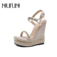 Niufuni Gold Ladies Sandals Platform Женская обувь Летние Высокие каблуки Ремешок на лодыжку Чауссуры Femme Заклепки клинья 210619