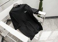 21SS Uomini stampati T-shirt Parigi clip lettere lettere stampa vestiti manica corta manica corta camicia da uomo tag lettera nera bianca
