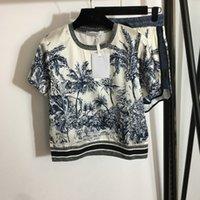 2021 chándales de alta calidad para mujer Conjuntos de dos piezas Desgaste de verano con camiseta de manga de impresión de coco Pantalones cortos de cintura flaca Tamaño S-XL
