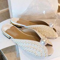 럭셔리 진주 장식 여름 여성 평면 슬리퍼 디자이너 구슬 옥외 슬라이드 FlipFlops 신부 웨딩 신발 여성 2020 32JU #