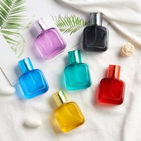 30 ml Renkli Kalın Cam Doldurulabilir Parfüm Şişesi Atomizer Metal Püskürtme Pompası Boş Konteyner Parfüm Şişeleri Sprey
