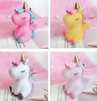 6 adet / grup Kadınlar Için Sevimli Hayvan Unicorn Anahtarlık Kız Çanta Charms Süs Telefon Anahtarlık Çanta Dekorasyon Araba Anahtarlık Porte Clef WJL3903