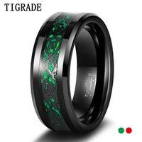 Tigrade 8mm Tungstène Bague noire pour hommes Celtic Dragon Inlay Rouge / Vert Hommes Bands de mariée Male Confort Taille 7-13 Anneaux