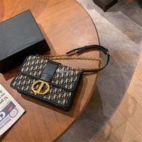 2021 Re-Edition Re-Edition 2005 Luxurys مصممين أكياس مساء المرأة عملة محفظة تنقش حقيبة مخلب محفظة إمرأة حزام مصمم حقائب اليد مع مربع حقيبة الغبار