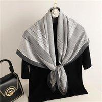 Foulards Foulard Solid Beduflefeuille Twill Forfan Imprimer Écharpe carrée Hijab 2021 Bandana Femelle Sac à main Châle Chantiers Echapape 90 * 90cm