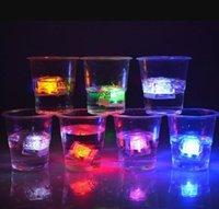 미니 LED 파티 조명 사각형 색상 변경 LED 아이스 큐브 빛나는 얼음 큐브 깜박이 깜박이는 참신 파티 CY20