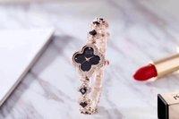 Личность Classic Classic Clover Clover Полная алмазная ссылка Наручные часы, Bling Watch Наборы Наборы Регулируемый Кристалл Браслет Подарок для женщин Матери, Уникальные подарки Сестры