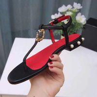 2021 Sandalias de diseño de lujo Zapatos de playa de mujer de cuero de becerro Classic Hardware Hebilla Pearl Heel Fashion Platform Slipper Tamaño 35-43 con caja