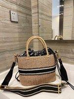 2021 Balde de marca de luxo high-end, cesta de repolho, saco de compras, senhora Rattan WVere tecida um ombro sacola de grande capacidade
