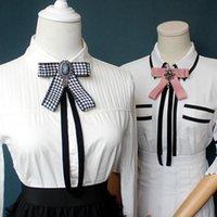 Bowties Archi Tie Spilla Tessuto Pins Crystal Pins e Spille Corsage Blouse Farfalla Accessori Pin Zappelli per le cravatte del collo delle donne