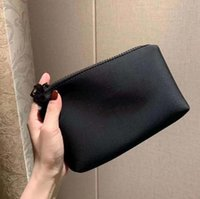 أحدث vip هدية جيدة شعور اليد مع حقيبة ماكياج أحمر الشفاه مخلب حامل السفر أدوات الزينة الأزياء والأكياس التخزين مع مربع