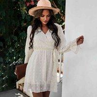섹시한 pom poms 여성의 흰 드레스 봄 여름 긴 소매 라인 주름을 통해 봅니다 블랙 자수 캐주얼 미니 드레스 210521