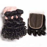 브라질 탄력 곱슬 곱슬 머리 인간의 머리카락 3 번들 레이스 클로저 4x4 무료 부분 중간 부분 레미 아누티 곰팡이 헤어 클로저