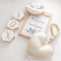 Decorações de pingente de madeira em forma de coração Decorações de pingente de malha Pendurado ornamentos Bebê Carrinho de bebê cama infantil Bed Bed Bed Bed Bed Bed Cama de cama