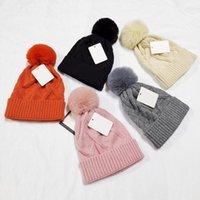 Neue Mode Hair Ball Beanie Marke Männer Frauen Winter und Herbst Warme Hohe Qualität Atmungsaktive tapfere Eimer Hut Elastisch mit Logo Strickkappen M008282